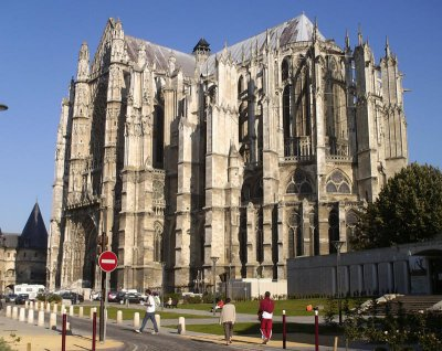 Beauvais Cathedral - Search Rent-in-France Holiday rental homes in Picardy, France