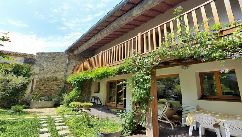 Charming Village House and Converted Barn Extension In Bize Minervois