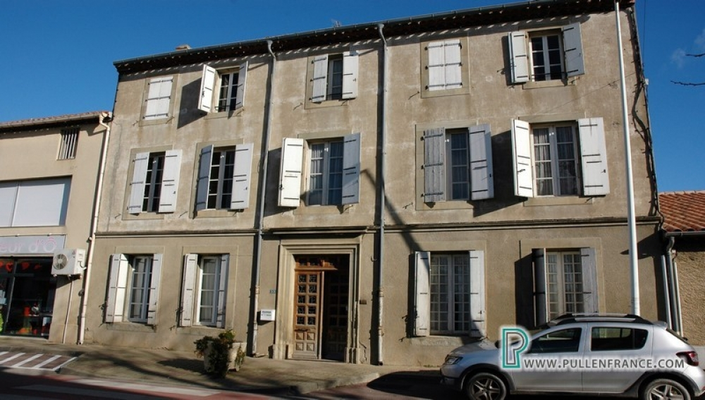 Large Maison De Maitre To Renovate With Garden In Peyriac-Minervois