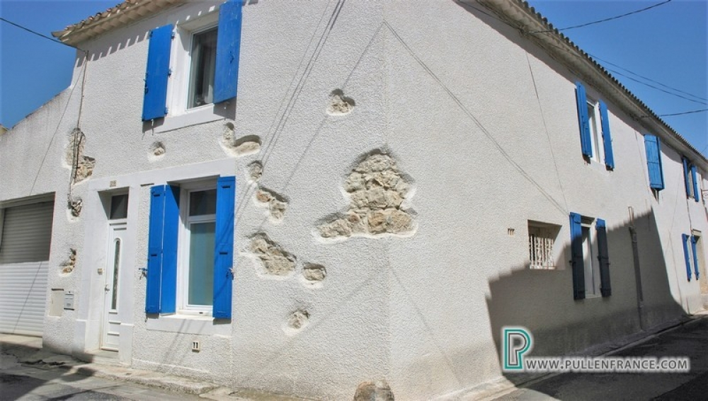 Renovated Village House With Pool A Short Walk From Canal Du Midi in Sallèles d' Aude