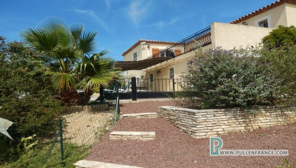 Villa With Large Garden, Pool And Stunning Panoramic Views In The Corbières
