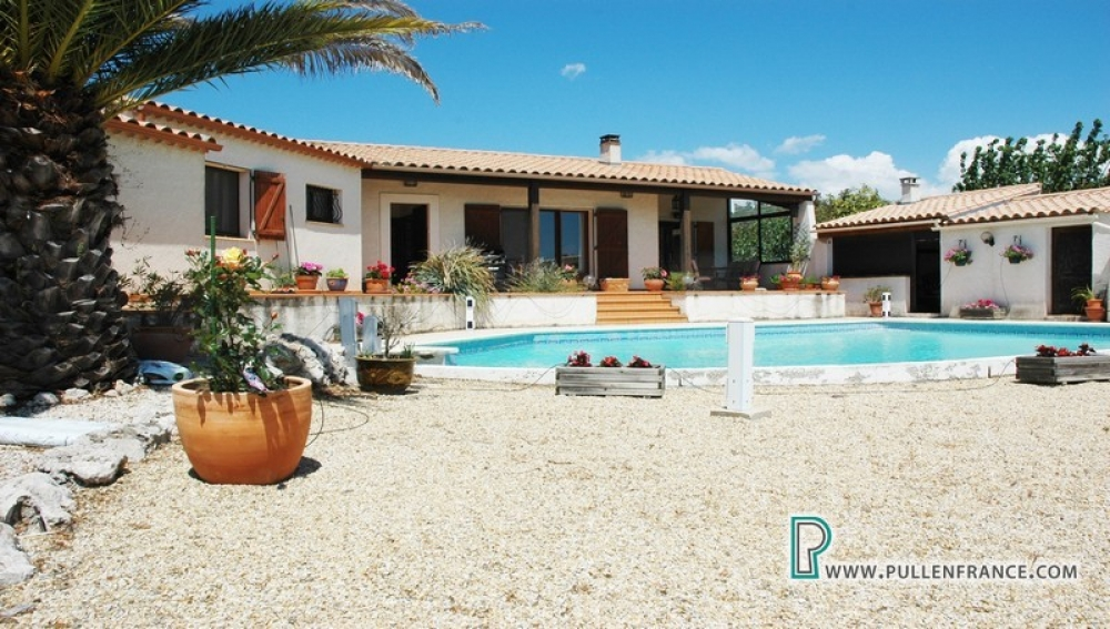 Lovely Villa With Land And Outstanding Views Outside Popular Minervois Village