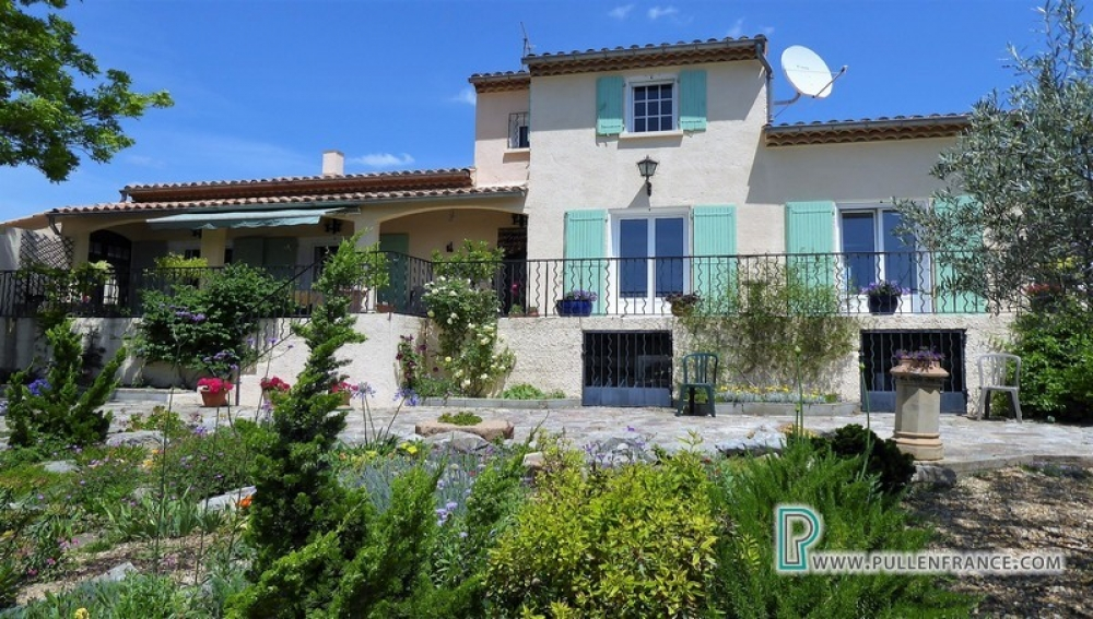 Outstanding Villa With Land And Views In Lovely Minervois Village