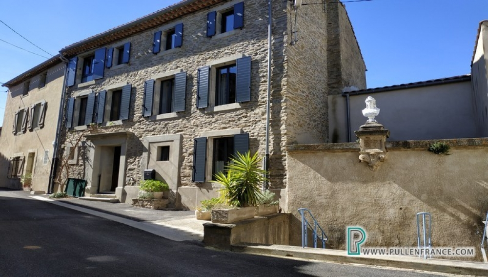 Stunning High-End Renovation With Pool And Views On Large Plot In Minervois Village