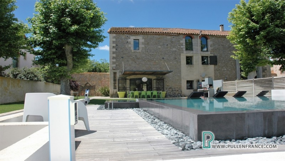 Fabulous Barn Conversion With Garden And Pool In Narbonne