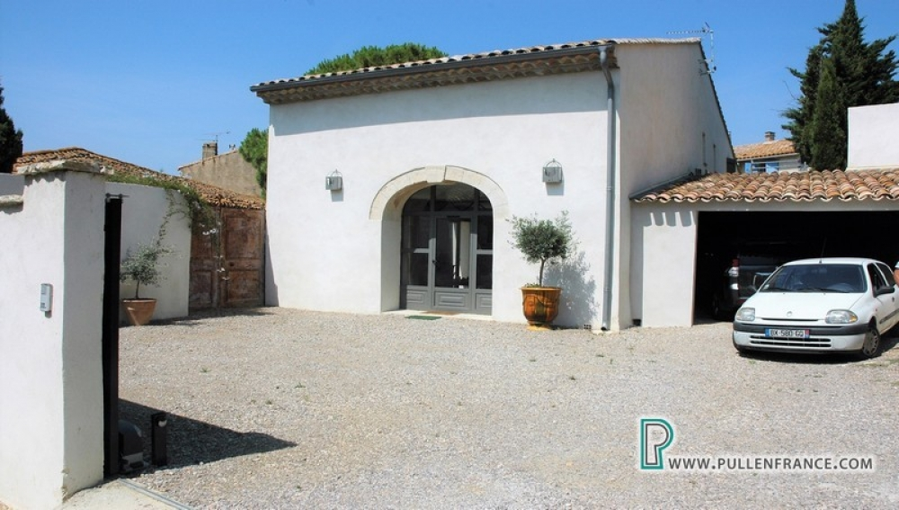High End Barn Conversion In Sought After Coastal Village Close To Narbonne