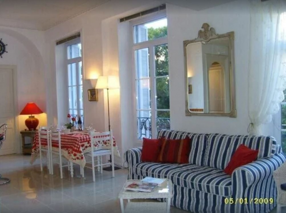 Superbly Located Spacious Two Bedroom Luxury Apartment Beside the Beach in Menton, Cote d`Azur,  5 km from Monaco.