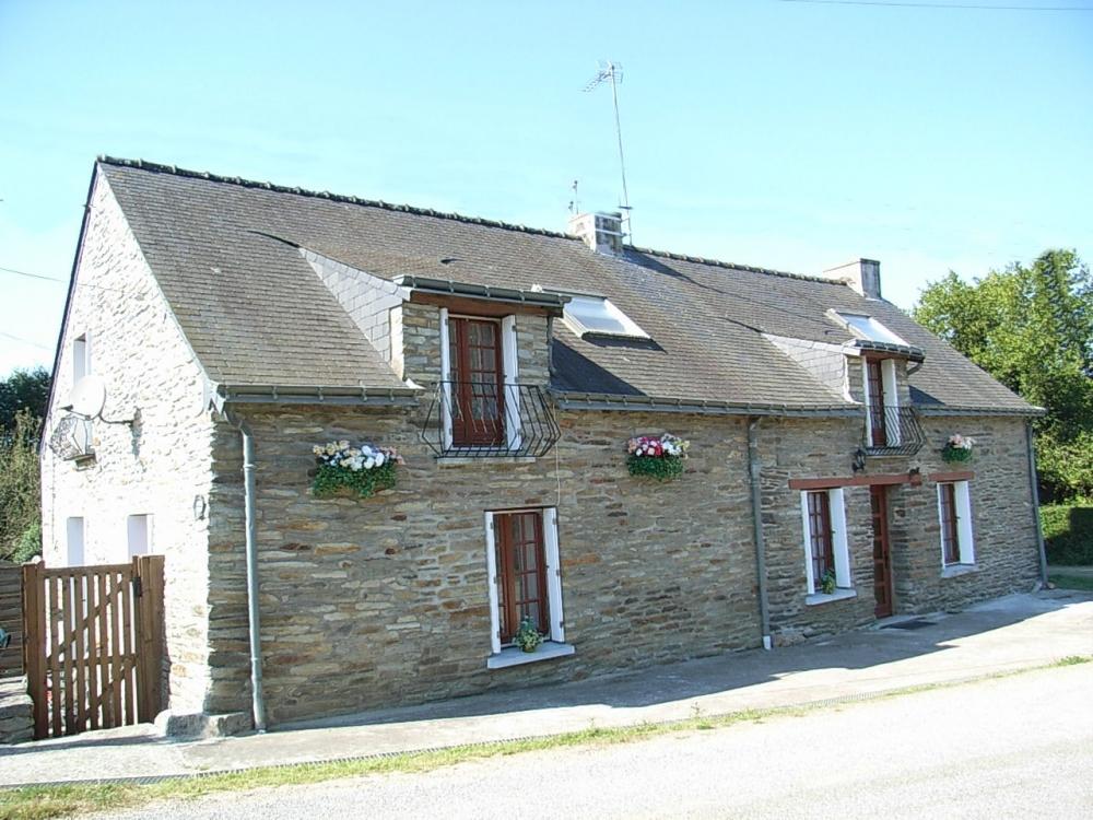 Charming 4 Bedroom Cottage in La Chataigneraie, Just outside St-Nicholas-du-Tertre - Morbihan, Brittany
