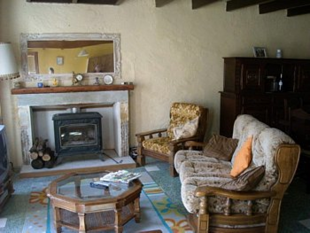 Beautiful 2 Bedroom Family House in Aigre, Charente, Poitou-Charentes