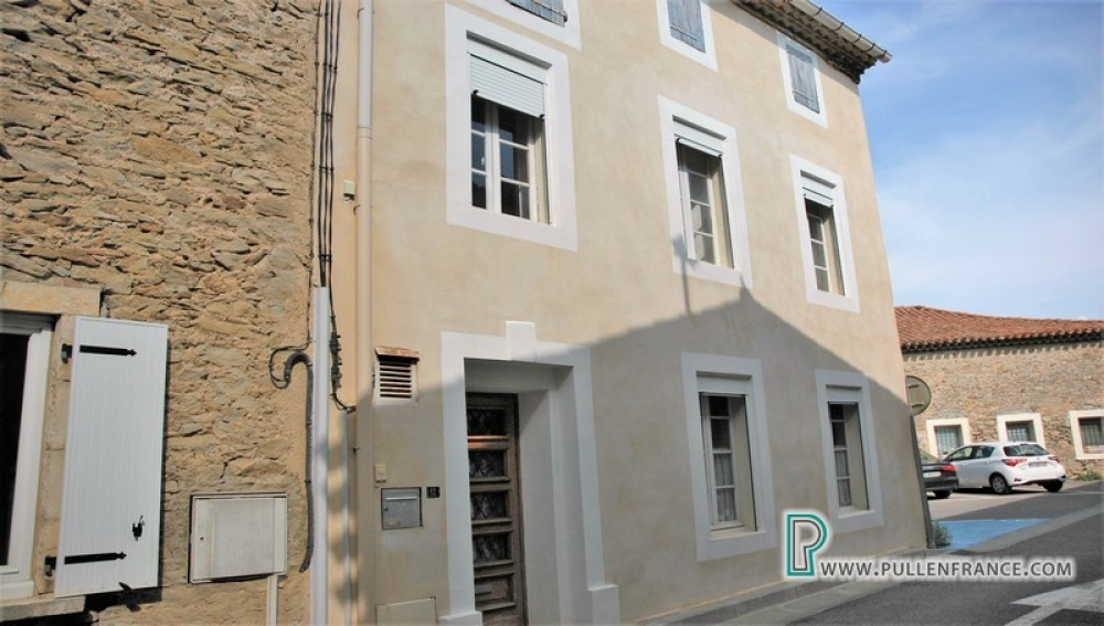Traditional Minervois Village House With Terrace In Pepieux, Aude