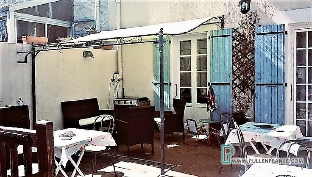 Large Village House With Commercial Space In Azille, Near Canal Du Midi, Aude