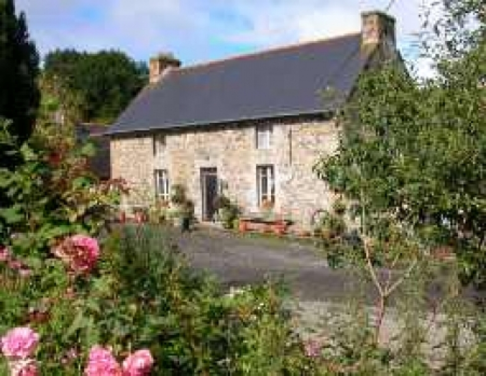 Breton Farming Hamlet with Main House, 8 Gites, Lake and 4 ½ Acres