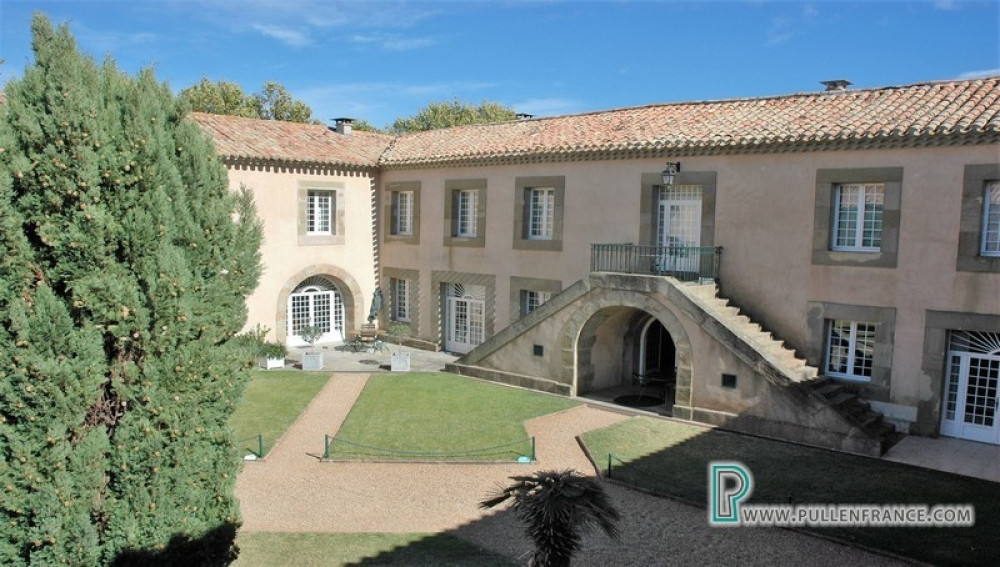 Excellent Apartment In 18th Century Residential Development In Canal Du Midi Village