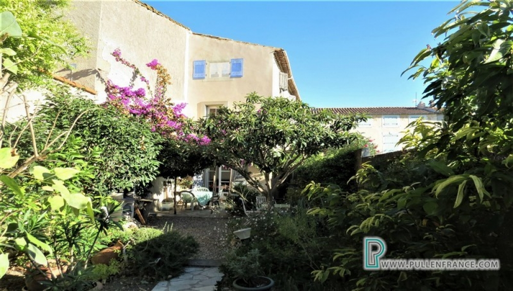 Charming Village House With 4 Bedrooms and Garden In Puicheric
