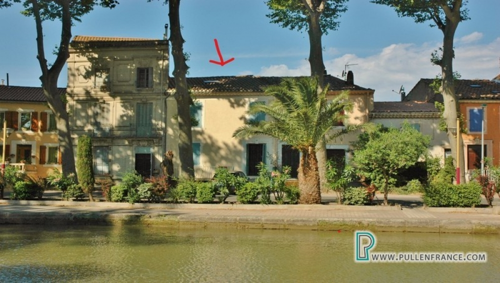 Picturesque Village House Overlooking The Canal In Sallèles d' Aude, Aude